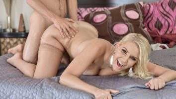 Blonde Hair, Blue Eyes, Tight MILF Pussy Vanessa Cage