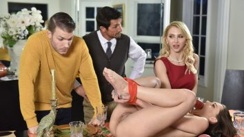 Family Friendly Thanksgiving Fuck Fest Alix Lynx and Aften Opal